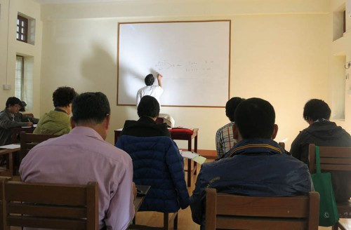 授業風景。クラスには韓国人が多い