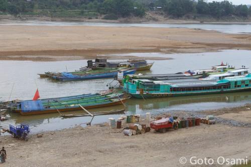 渇水期のチンドウィン川