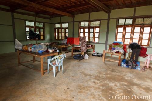 宿にあてがわれた学校の教室
