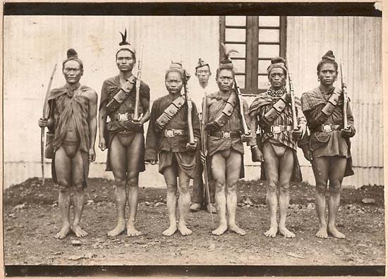 ナガ族の植民地軍兵士